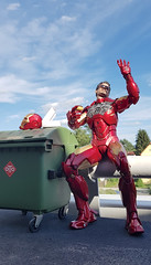 ... after all the work is done... (bumble181) Tags: hottoys ironman iv 4 avengers tonystark robertdowneyjr mecha robot marvel 16 12inch onesixth onetosixth onesixthscale donut doughnut sunshine outdoor red gold shiny suit