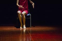 (Cindy en Israel) Tags: manos piernas pies rojo silla vestido danza baile ballet nahariya israel evento ידיים רגליים אדום נהריה ישראל