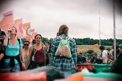 Bagsy Me (puppyhand) Tags: shirt crowd people alcohol lanyard dslr 700d canon glasto glastonbury festival fest 2017 17 worthy farm somerset summer june drink drinking drinker woman women flag flags guardian bag backpack green other stage oxlyers walk walking standing still