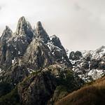 Montañas cerca de Puesco en Parque Nacional Villarica thumbnail