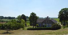 Old farmhouse. (Fijgje On/Off) Tags: boerderij farmhouse bomen trees langerak zuidholland nederland holland fijgje panasonicdmctz60 juni2017 juli2017