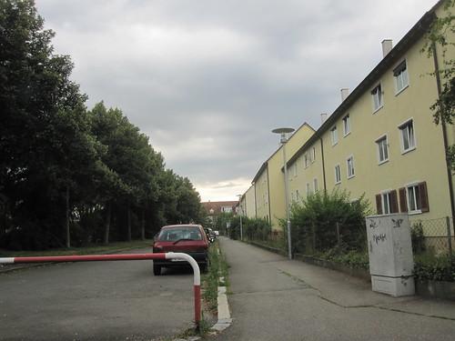 Wolkengraue Straße