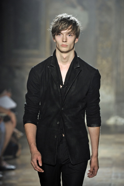 Linus Gustin3111_SS11_Milan_John Varvatos(first VIEW)