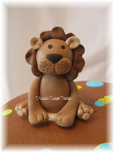 lion made from fondant/sugarpaste