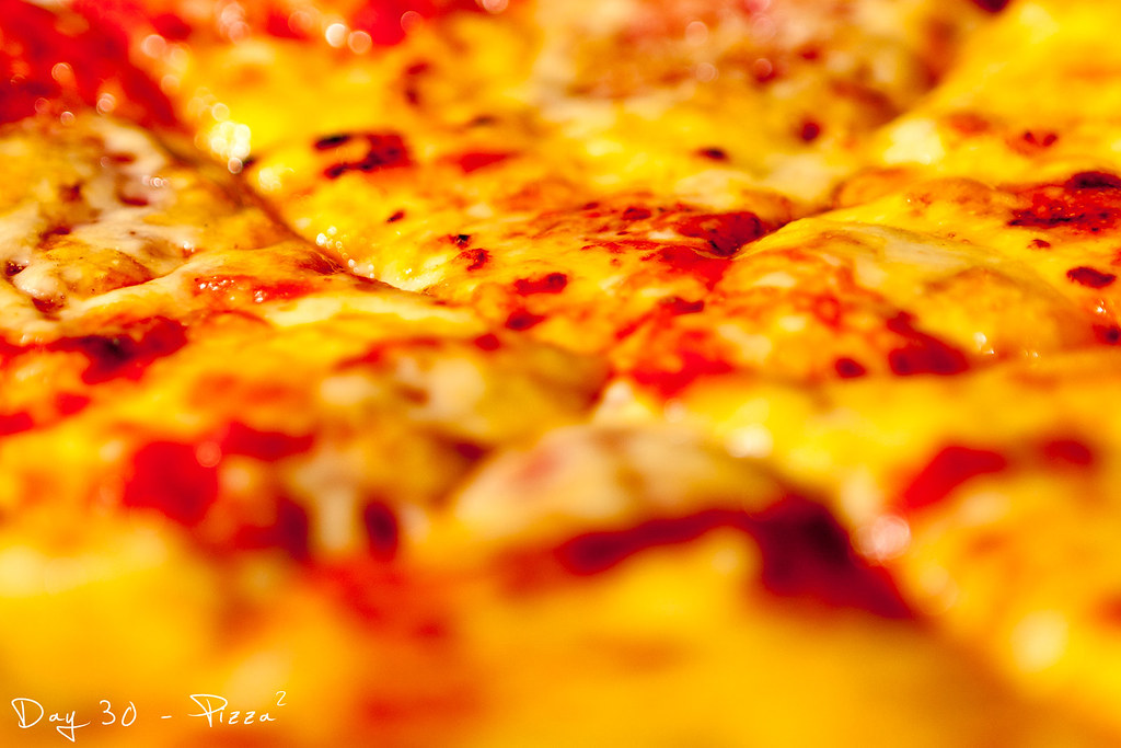 Project 365, day 30, 030/365, strobist, pizza, bokeh