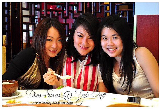 Top One Seafood Restaurant: Cynthia, Vera and Me