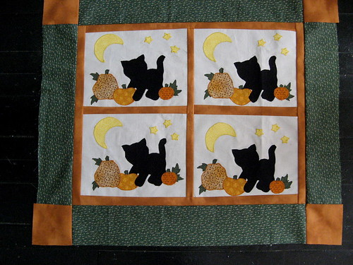 Kitty in the Pumpkin Patch quilt