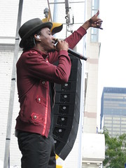 tiff Toronto International Film Festival block party K'naan September 12 2010 (Meteor54) Tags: toronto opening tiff openhouse blockparty torontointernationalfilmfestival knaan wavingflag belllightbox wavinflag