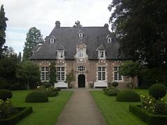 Patersmote, Kortrijk (Erf-goed.be) Tags: geotagged westvlaanderen kortrijk landhuis archeonet buitengoed patersmote geo:lon=32443 geo:lat=508237
