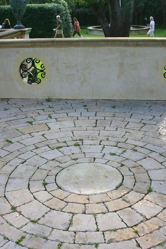 Green Garden circular paving
