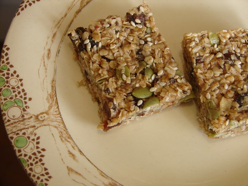 nutty apricot slice