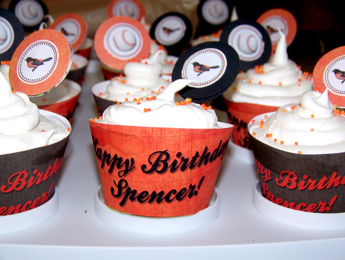 100915 Spencer's Bday 06 - cupcakes
