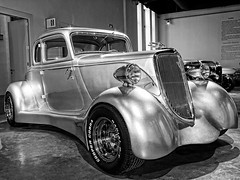 "Ford ""Mano de Plata"" 1936 ""tuning"" (ToniMolero07) Tags: bw espaa ford car glitter handle andaluca spain details wheels headlights bn line flare parrilla grille andalusia velocidad tuning detalles v8 mlaga ruedas brillos lineas mmp potencia faros manilla automviles 2016 calandra swarovsky tabacalera destellos yourcountry powerspeed tonimolero museoautomovilsticodemlaga 5ventanas manodeplata"