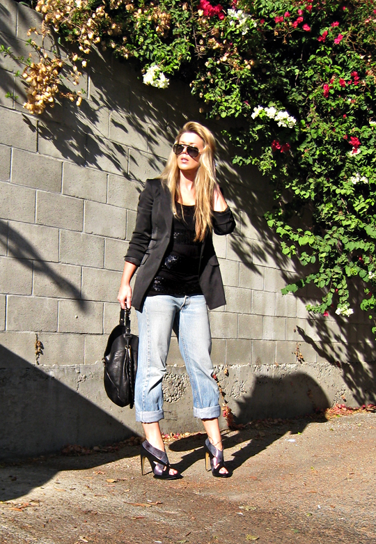 ray ban aviators+kirkwood shoes+old levis+jeans and a blazer