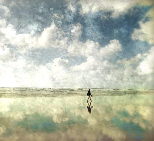 [フリー画像] 人物, 人と風景, ビーチ・砂浜, イギリス, 201009281700