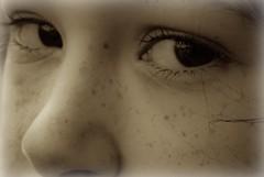 Sadness from a child (La Pom ) Tags: portrait eye face sepia sadness eyes tears child noiretblanc yeux enfant tristesse visage larmes larme mlancolie lapomme lapom
