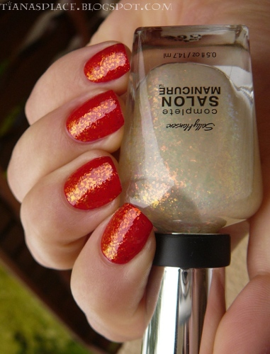 OPI - Color So Hot it Berns + Sally Hansen - Hidden Treasure #1