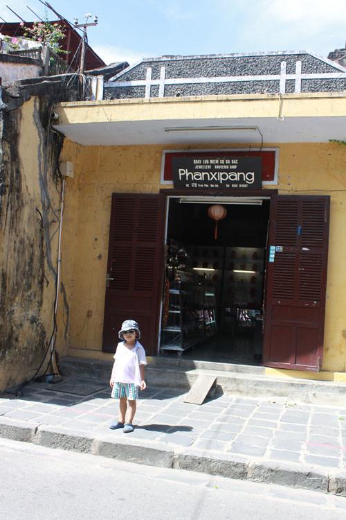 Phanxipan bookshop - Hoi an