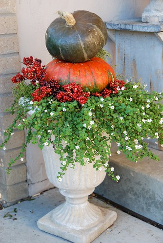Outdoor Fall Planter Ideas http://lovefeasttable.com/blog/stacked-pumpkin-planters/