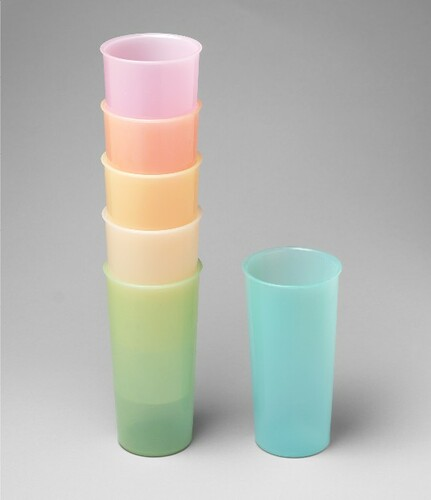 COUNTER SPACE TUPPERWARE PLASTIC TUMBLERS