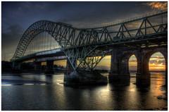 [フリー画像] 建築・建造物, 橋, 夕日・夕焼け・日没, HDR, イギリス, 201010060100