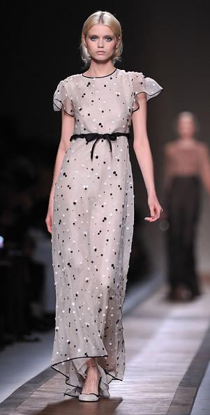 Valentino+Runway+Paris+Fashion+Week+Spring+os6g5OQn5fdl