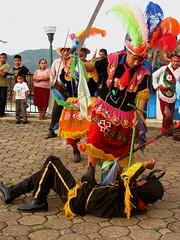 Miguel Arcngel (Yolo Axolotl) Tags: color mxico mexico costume devil diablo puebla serrano danzantes tradicin demonio mejico costumbre sierranorte arcangelmiguel yoloaxolotl
