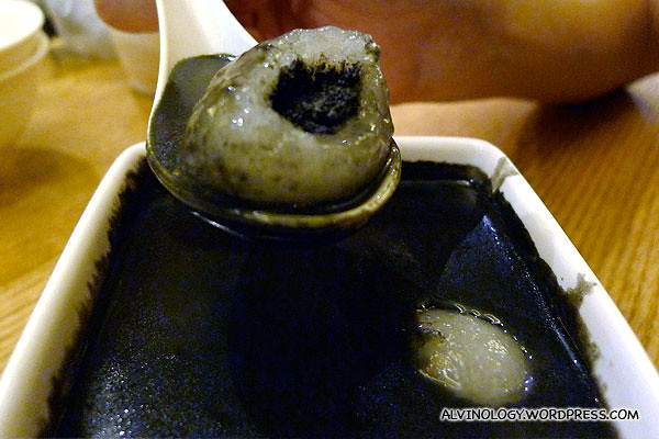 Thick black sesame filling
