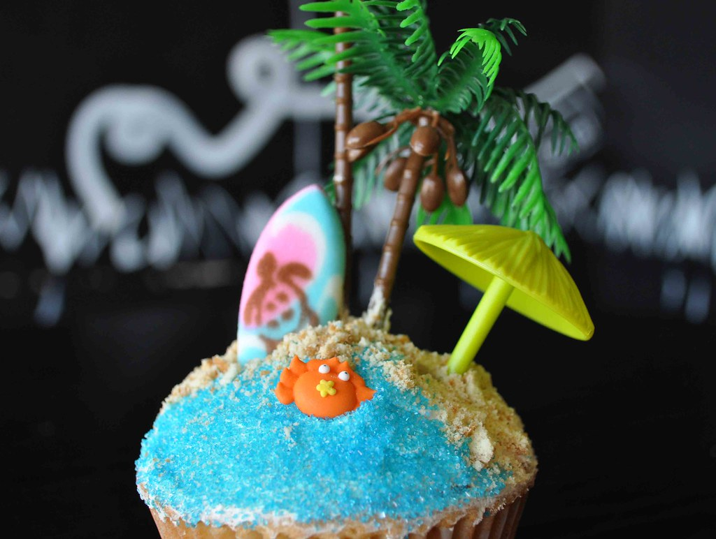 Edible Surfboard Cake Toppers