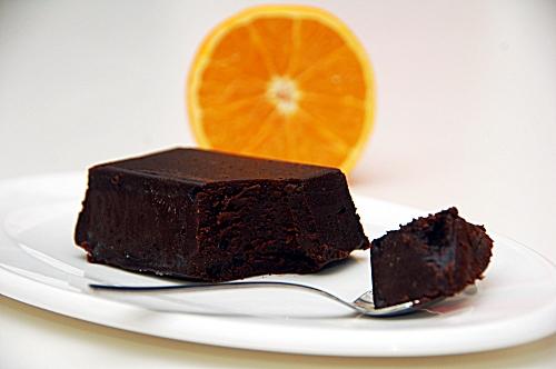 fondente di cioccolato con salsa caramellata di arancio