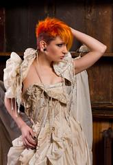 [フリー画像] 人物, 女性, ドレス, ファッション, ショートヘア, 201012282100