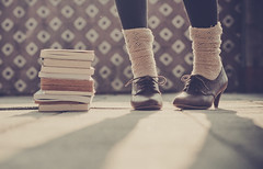 Wonder Shoes (Ana Lusa Pinto [Luminous Photography]) Tags: light art vintage photography 60s shoes ground books luminous marieantoinette goldenhour lu jazzshoes