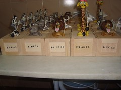 caixinha madagascar7,5 de altura 15,00 (SANDRINHA BISCUIT) Tags: de lembrança centro madagascar mesa lembrancinha masdagascar