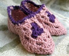 BabyBabouches3 (sylvchezplum) Tags: baby girl booties grannysquare crochetslippers