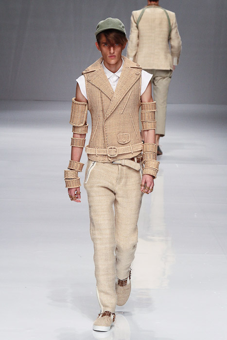 Gabriel Gronvik3101_SS11_Tokyo_PHENOMENON(Fashionsnap)