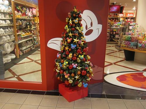 ディズニーストア(ららぽーと)のクリスマスツリー