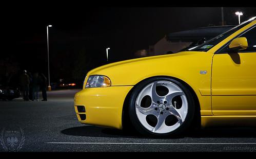 Yellow Audi B5 S4 slammed