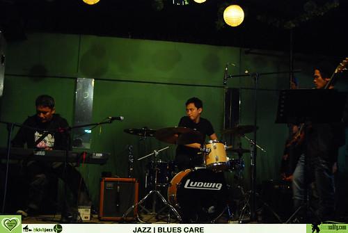 Jazz Blues Care - Deva Permana-Riza Arshad-Ari Firman (4)