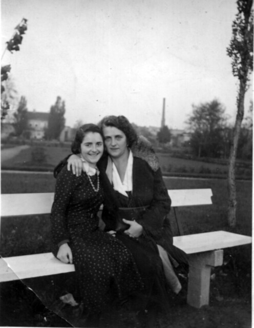 Лилли Гер. и Лиза в 27 году