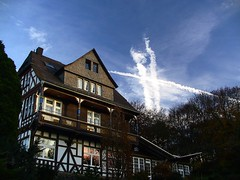 Wolkenformationen (Jonny__B_Kirchhain) Tags: sky cloud germany deutschland nuvola hessen himmel wolke ciel cielo alemania nuage allemagne nube germania   marburgbiedenkopf      frauenberg federalrepublicofgermany nuvolo    repubblicafederaletedesca   repblicafederaldealemania  rpubliquefdraledallemagne
