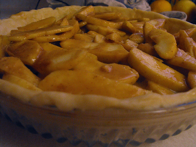Full Bellies, Happy Kids: Dulce De Leche Apple Pie