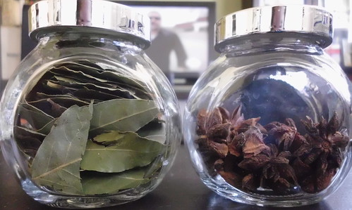 spice_jars_anise_bay