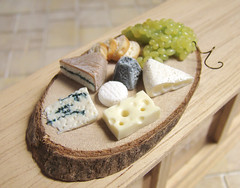 Miniature Food - Fromages / Cheese (PetitPlat - Stephanie Kilgast) Tags: paris france cheese miniatures handmade fake polymerclay fimo grapes minifood brie 112 fromage raisin dollhouse dollshouse miniaturefood morbier crottindechavignol fauxfood oneinchscale emmenthal petitplat minaituren stephaniekilgast