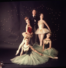00789964 (julianadevaan) Tags: newyork ny unitedstates usa balanchine ballet ballets be choreography city companies dancing farrell flopped front george jewels mcbride mimi new patricia paul photo picture red seated studio suzanne verdy violette white