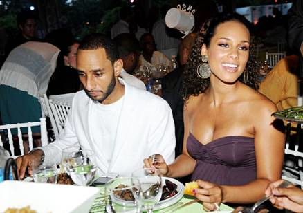 Swizz Beatz and Alicia Keys by charitybuzz.com