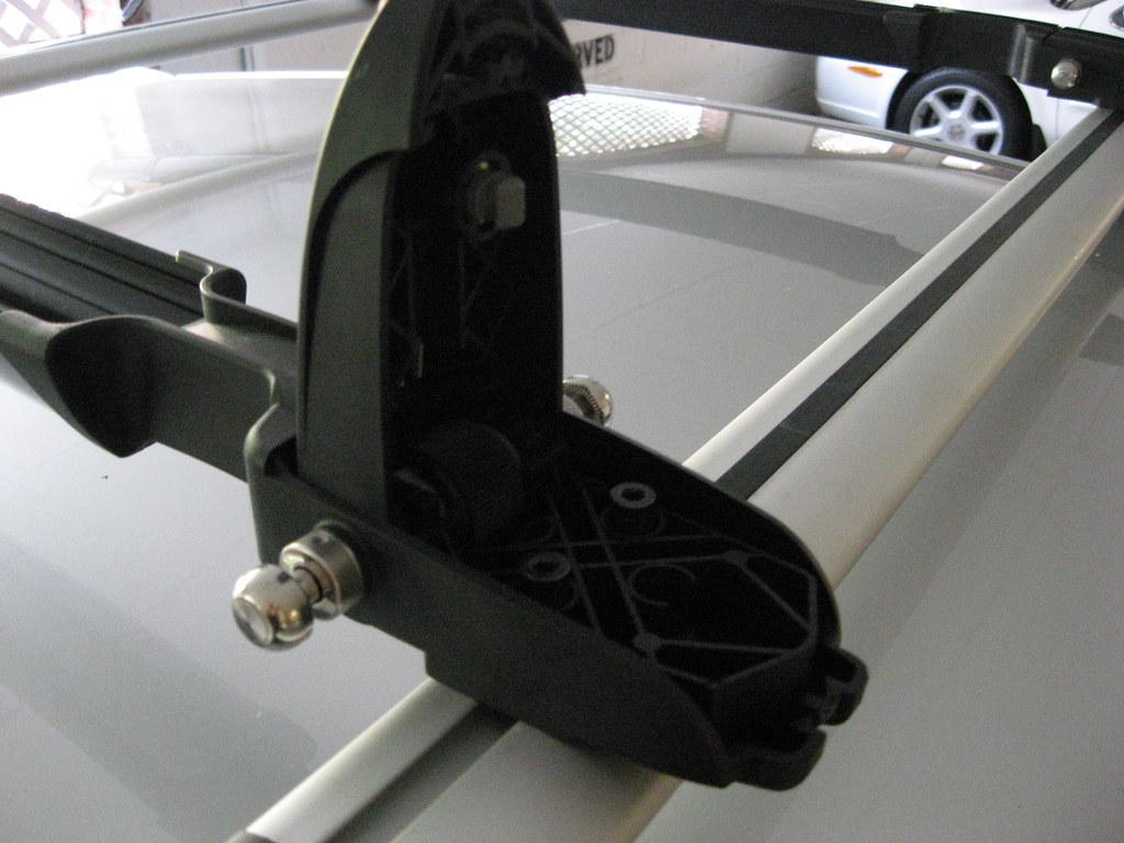 Thule Peloton 517 Install On Subaru Oem Roof Rack Subaru