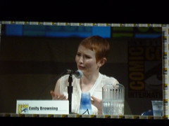 Emily Browning (Le Bella's strange trix) Tags: emily san comic panel diego convention punch comicon con sucker 2010 browning sdcc sandiegocomiccon comiccon2010