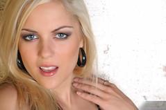 Bianca Ptelle (benoitchampagnephoto) Tags: ca canada montral qubec physique cheveuxblonds cheveuxlongs yeuxbleux montral qubec yeuxclairs grandsyeuxronds