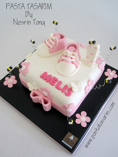 BABY PINK SHOES 1 ST BIRTHDAY CAKE