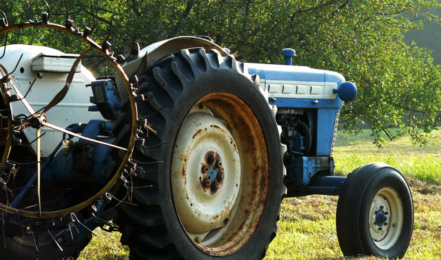 blue_tractor3